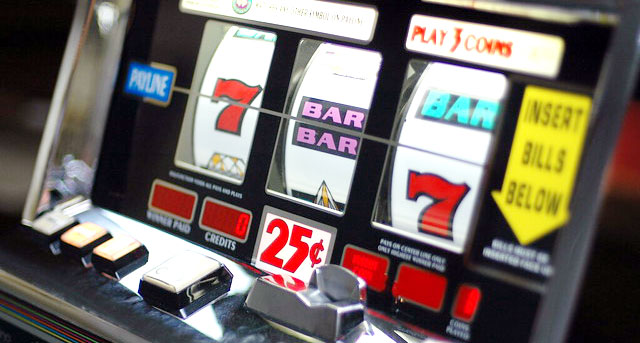 Which casino in las vegas has the most slot machines